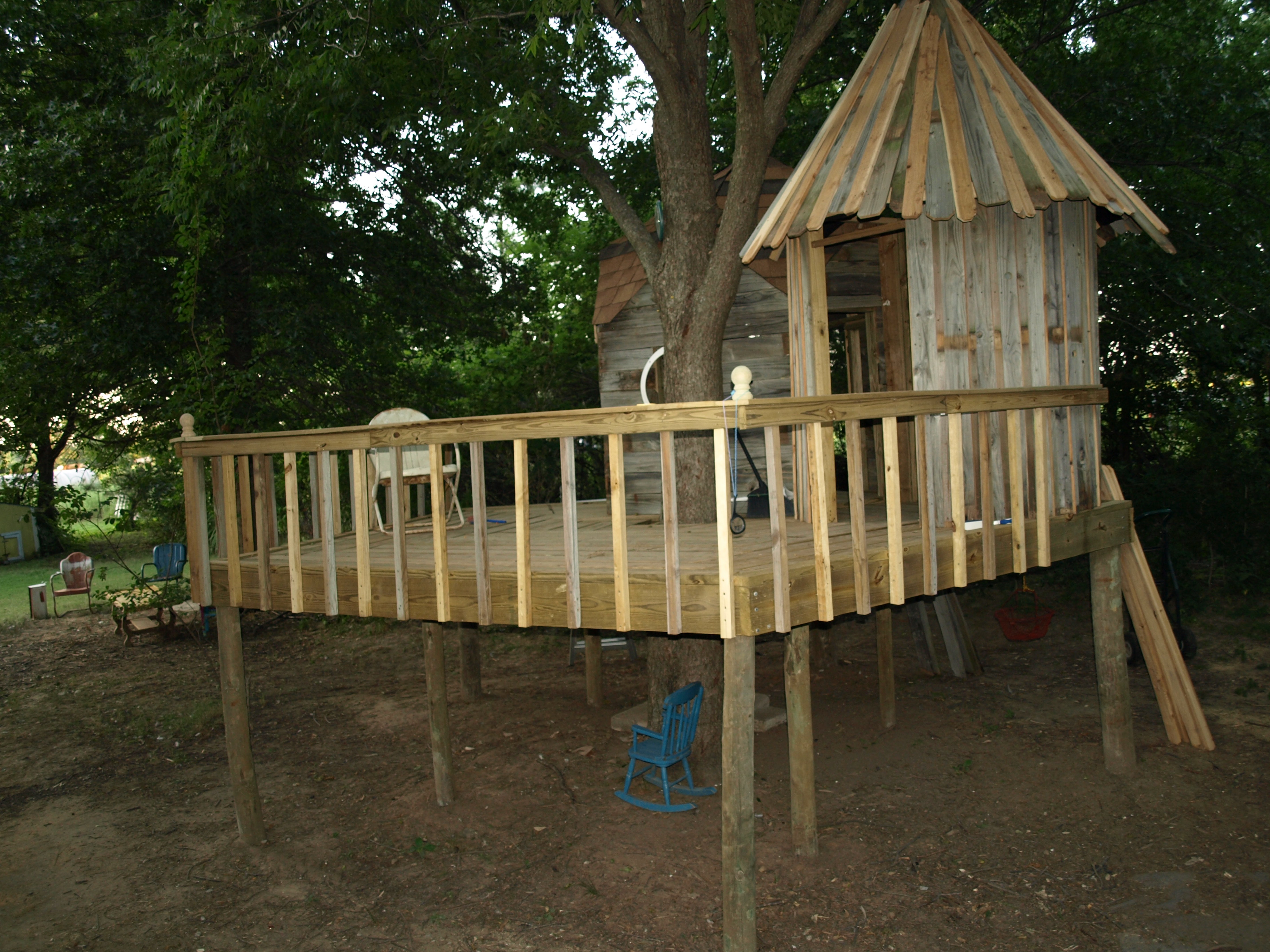 Tiki hut roof dr patrick baker for How to build a treehouse roof